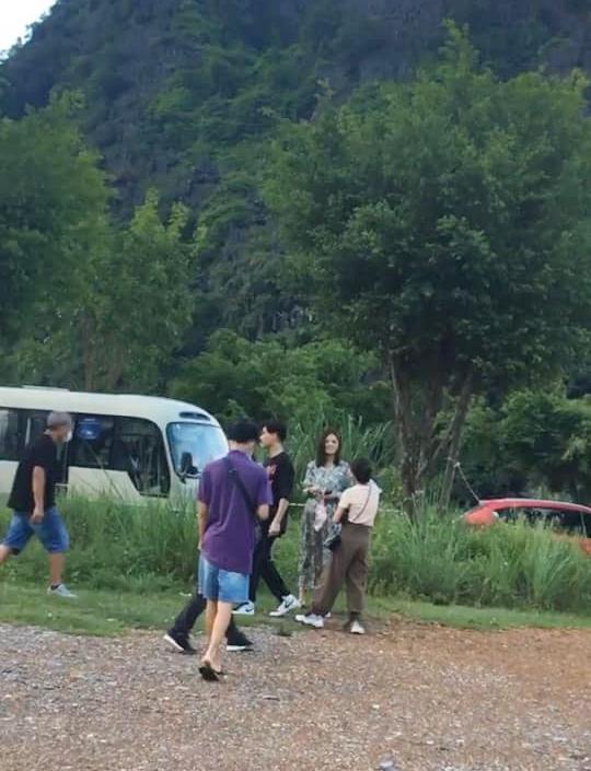 Hương vị tình thân: Sau clip Phương Oanh đi mua váy bầu, đến lượt ảnh Thy mang bụng bầu giả ở Ninh Bình được hé lộ-2
