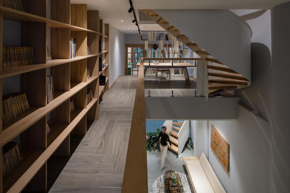 Mê mẩn nhà phố 2,3 tỷ có cầu thang uốn lượn như dải lụa, góc nào cũng giống triển lãm nghệ thuật-12