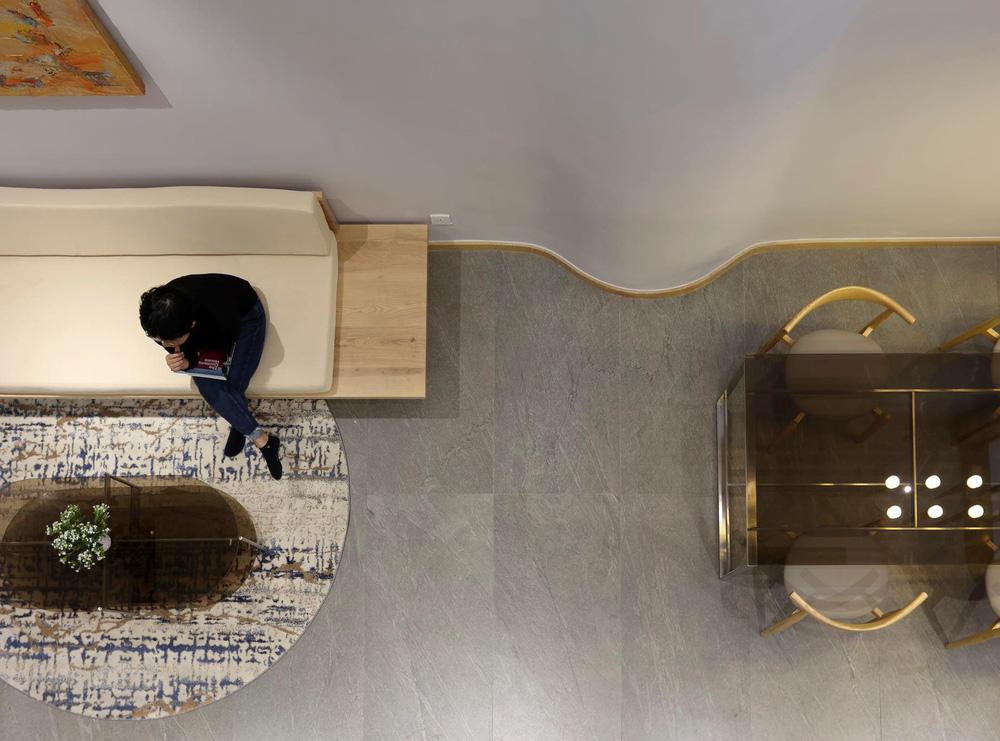 Mê mẩn nhà phố 2,3 tỷ có cầu thang uốn lượn như dải lụa, góc nào cũng giống triển lãm nghệ thuật-9
