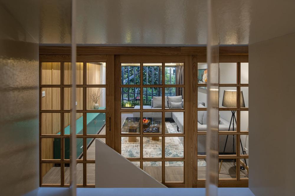 Mê mẩn nhà phố 2,3 tỷ có cầu thang uốn lượn như dải lụa, góc nào cũng giống triển lãm nghệ thuật-15