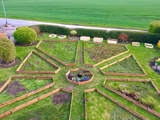 Khu vườn cổ tích của hai chàng trai có cùng sở thích trồng rau, nuôi gà-7