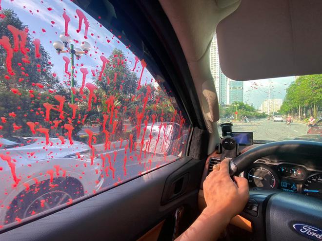 Hà Nội: Hàng loạt xe ô tô bị tạt sơn đỏ trong Khu đô thị Trung Văn-1