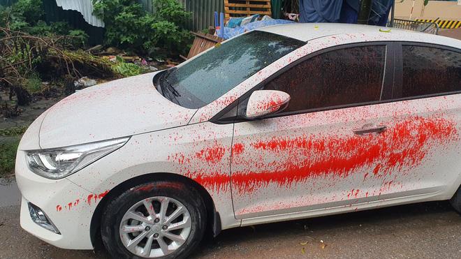 Hà Nội: Hàng loạt xe ô tô bị tạt sơn đỏ trong Khu đô thị Trung Văn-2