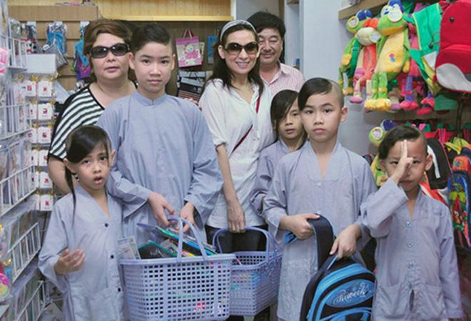 Ca sĩ Phi Nhung có tâm nguyện đặc biệt dành cho 23 con nuôi nhưng chưa thành, Xuân Lan tiết lộ tin nhắn quá đau lòng!-6