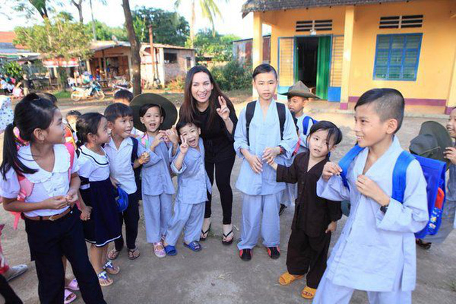Ca sĩ Phi Nhung có tâm nguyện đặc biệt dành cho 23 con nuôi nhưng chưa thành, Xuân Lan tiết lộ tin nhắn quá đau lòng!-4