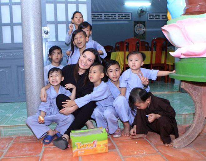 Ca sĩ Phi Nhung có tâm nguyện đặc biệt dành cho 23 con nuôi nhưng chưa thành, Xuân Lan tiết lộ tin nhắn quá đau lòng!-7