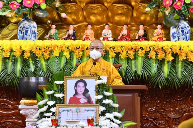 Ca sĩ Phi Nhung chưa tiêm vắc xin Covid-19 và lý do xúc động được tiết lộ trong lễ cầu siêu-1