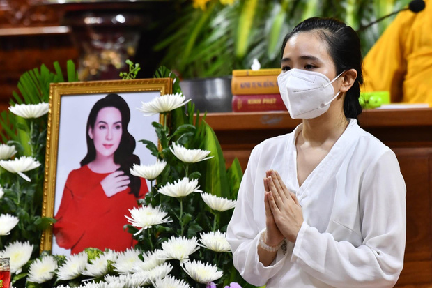 23 người con của Phi Nhung gồm những ai và sống thế nào trước khi mẹ nuôi qua đời?-3
