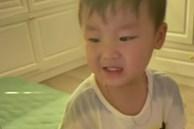 Con trai Hòa Minzy bắt chước người lớn nói 1 câu khiến bố mẹ choáng váng