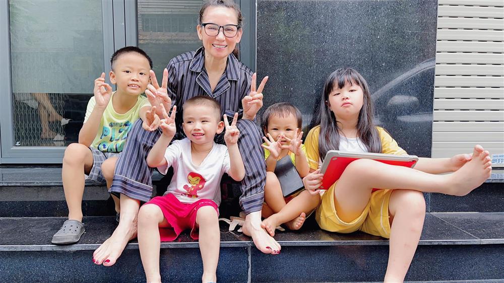Báo Hàn viết về cuộc đời cơ cực của Phi Nhung-2