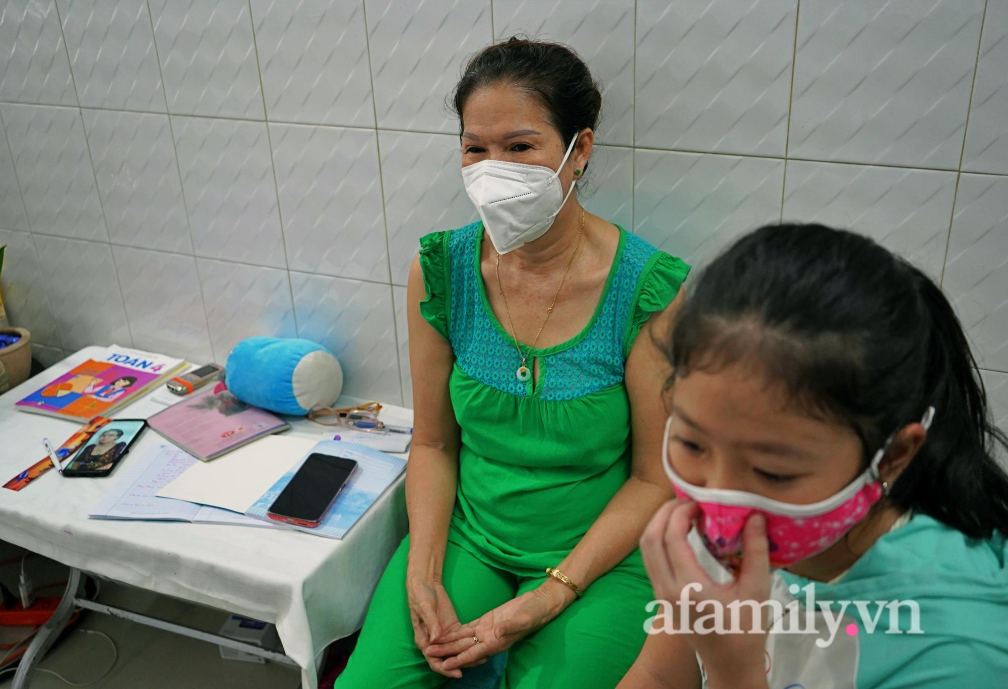 Những đứa trẻ mồ côi vì đại dịch: Nén nhang lúc đêm muộn khe khẽ mẹ ngủ ngon, như lưỡi dao cứa vào lòng người lớn-5