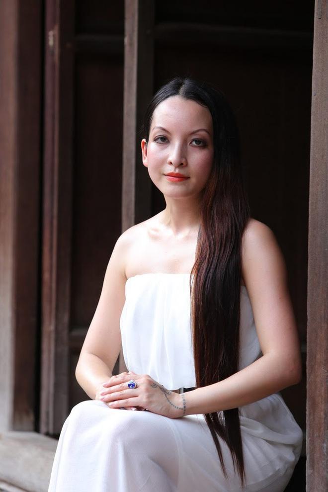 Cay đắng chuyện tình của Linh Nga với Thuyết buôn vua: Chồng bị bắt 1 tuần trước đám cưới, quyết chờ 20 năm để rồi bị phản bội-16