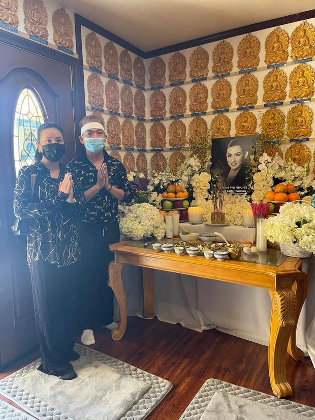Lễ cúng thất đầu của ca sĩ Phi Nhung ở Mỹ: Con gái ruột và vợ cũ Bằng Kiều đội tang, Thanh Thảo - Thu Hoài cùng dàn sao Việt đến chia buồn-13