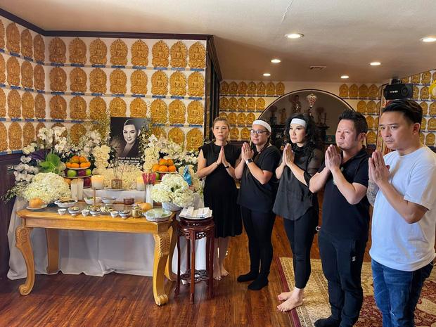 Lễ cúng thất đầu của ca sĩ Phi Nhung ở Mỹ: Con gái ruột và vợ cũ Bằng Kiều đội tang, Thanh Thảo - Thu Hoài cùng dàn sao Việt đến chia buồn-5