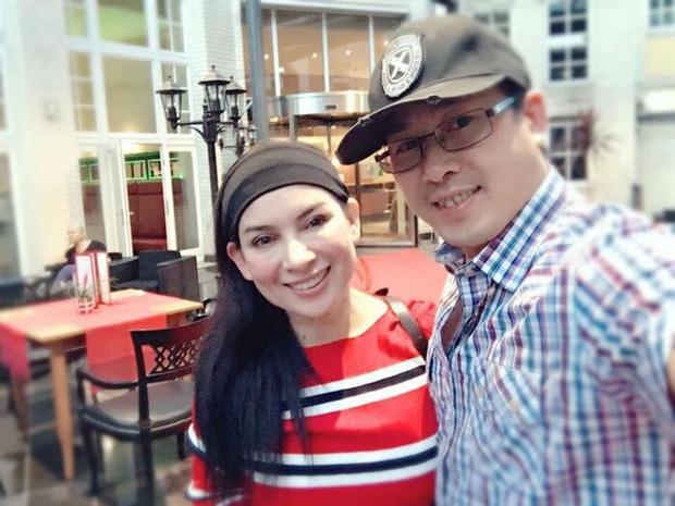 Em trai ca sĩ Phi Nhung: 1 ngày chưa thấy chị về là 1 ngày đứt ruột thương chị nằm chờ trong bệnh viện-4