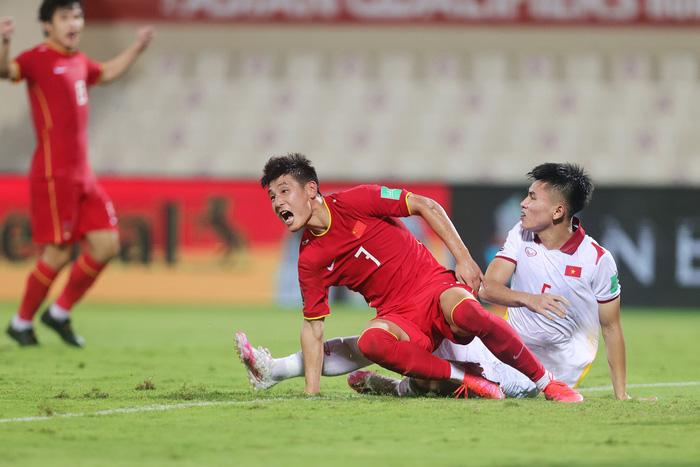 Những sai lầm chí mạng của HLV Park Hang-seo trong trận ĐT Việt Nam thua ĐT Trung Quốc-6
