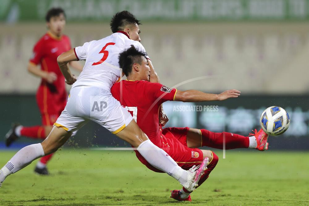 Những sai lầm chí mạng của HLV Park Hang-seo trong trận ĐT Việt Nam thua ĐT Trung Quốc-7