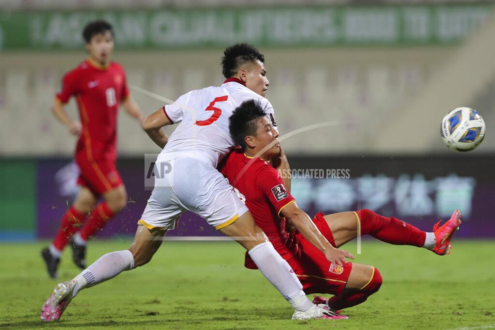 Những sai lầm chí mạng của HLV Park Hang-seo trong trận ĐT Việt Nam thua ĐT Trung Quốc-8