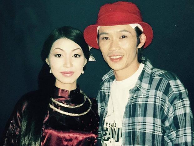 Nữ ca sĩ tự nhận là vợ NS Hoài Linh bất ngờ đăng lời tiễn biệt bố chồng-3