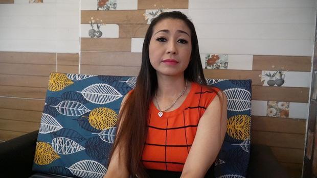 Nữ ca sĩ tự nhận là vợ NS Hoài Linh bất ngờ đăng lời tiễn biệt bố chồng-4