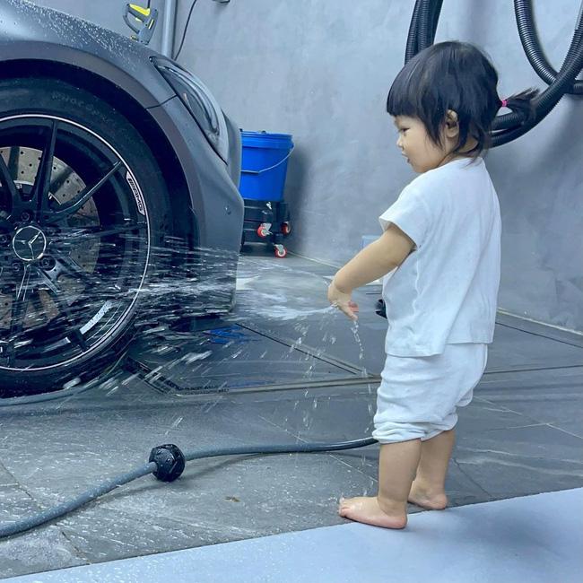 Rich kid Suchin nhà Cường Đô La mới hơn 1 tuổi nhưng đã biết kiếm tiền bằng cách này đây-2