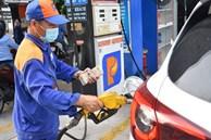 Giá xăng tăng, lên sát 23.000 đồng/lít