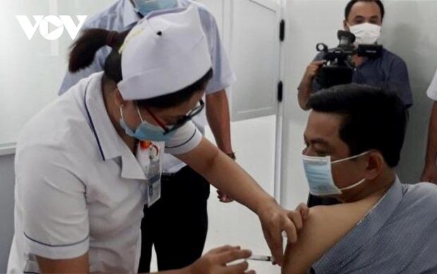 Tiêm vaccine Covid-19 cho con dưới 18 tuổi, một phó giám đốc ở Bạc Liêu bị kỷ luật-1
