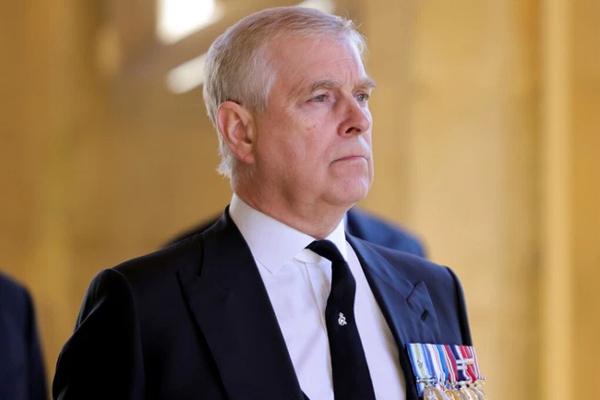 Con trai Nữ hoàng bị kiện lạm dụng tình dục thiếu nữ 17 tuổi: Cảnh sát Anh ra thông báo mới, Hoàng tử William có phản ứng bất ngờ-3