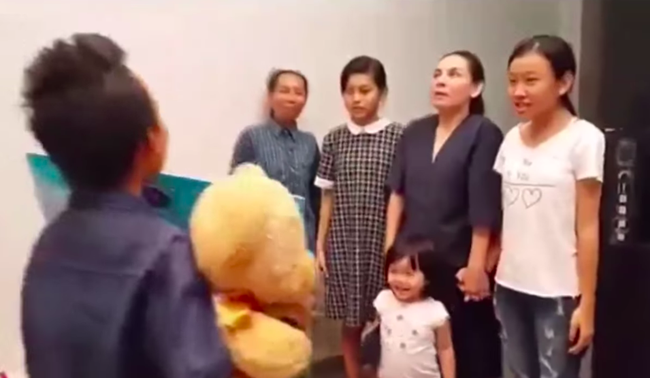 Clip Hồ Văn Cường trao 200 triệu cho Phi Nhung gây giật mình, là giải thưởng của Quán quân Vietnam Idol Kids-3