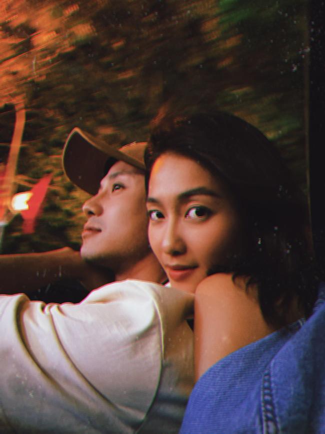 11 tháng 5 ngày: Khả Ngân tình tứ bón cho Thanh Sơn ăn trong hậu trường, bảo sao fan không đẩy thuyền-7