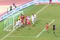 Chiến thuật 'ruồi bâu' của Oman làm khổ ĐT Việt Nam là hoàn toàn hợp lệ, nhưng đội bạn chơi quá 'dơ' vì tận dụng luật lỏng lẻo