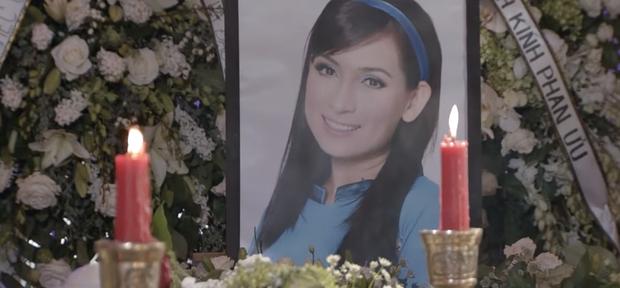 Tang lễ cố ca sĩ Phi Nhung ở Mỹ: Việt Hương khóc nức nở trong vòng tay Wendy Phạm, tiết lộ di nguyện cuối cùng của cố nghệ sĩ-22