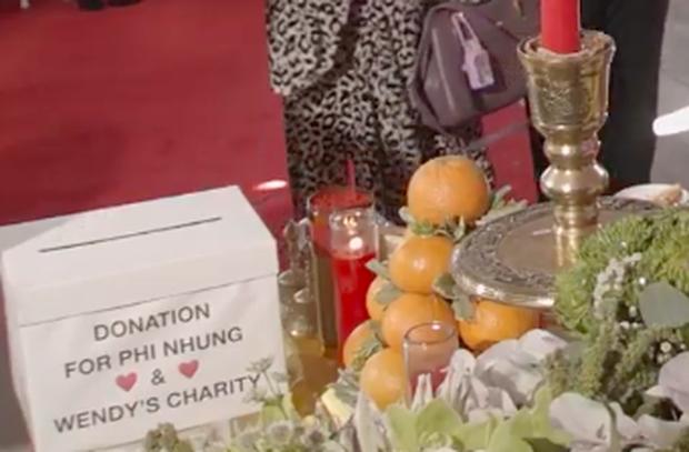 Tang lễ cố ca sĩ Phi Nhung ở Mỹ: Việt Hương khóc nức nở trong vòng tay Wendy Phạm, tiết lộ di nguyện cuối cùng của cố nghệ sĩ-48