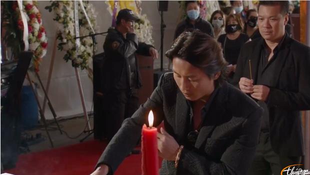 Tang lễ cố ca sĩ Phi Nhung ở Mỹ: Việt Hương khóc nức nở trong vòng tay Wendy Phạm, tiết lộ di nguyện cuối cùng của cố nghệ sĩ-26