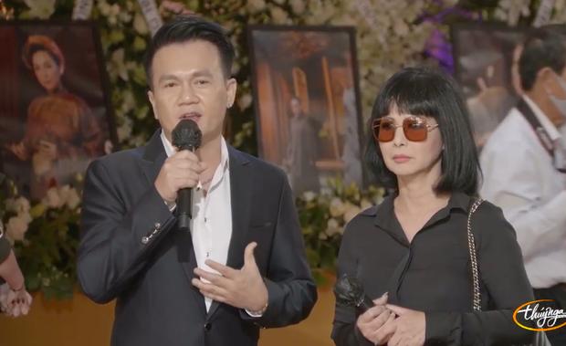 Tang lễ cố ca sĩ Phi Nhung ở Mỹ: Việt Hương khóc nức nở trong vòng tay Wendy Phạm, tiết lộ di nguyện cuối cùng của cố nghệ sĩ-32