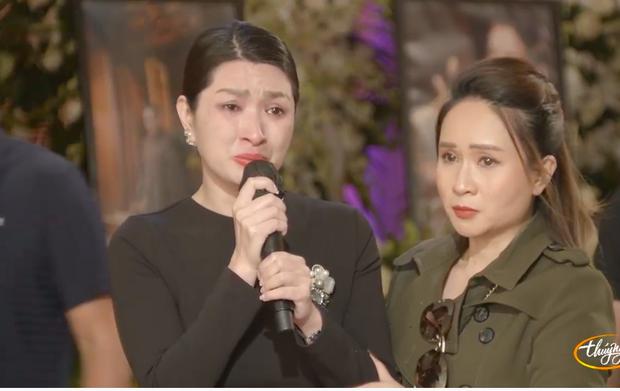 Tang lễ cố ca sĩ Phi Nhung ở Mỹ: Việt Hương khóc nức nở trong vòng tay Wendy Phạm, tiết lộ di nguyện cuối cùng của cố nghệ sĩ-31