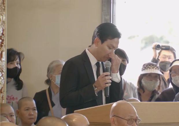 Quản lý kịp sang Mỹ tiễn biệt cố ca sĩ Phi Nhung, chết lặng trong nước mắt tiễn đưa người tri kỷ lâu năm-3