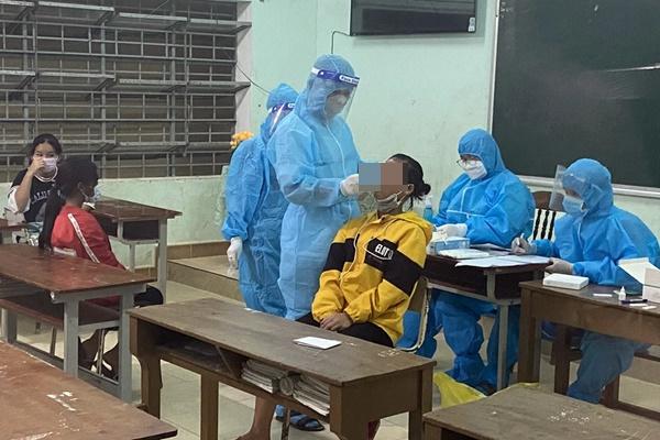 Rạng sáng nay, phát hiện 17 học sinh trong trường bán trú dương tính với SARS-CoV-2-1