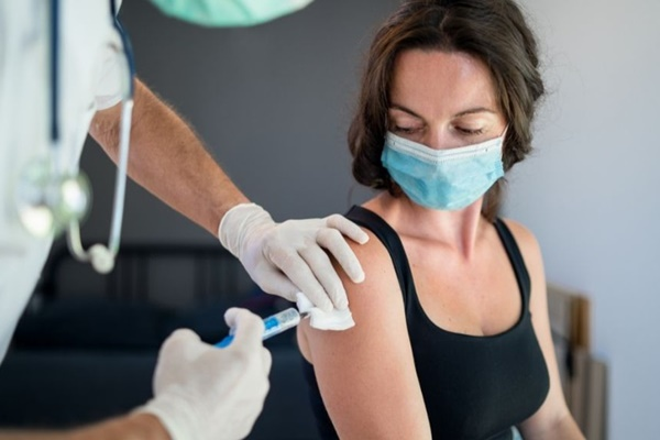 Phát hiện mới về những người có nguy cơ mắc Covid-19 sau tiêm vaccine-1
