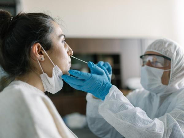 Phát hiện mới về những người có nguy cơ mắc Covid-19 sau tiêm vaccine-2