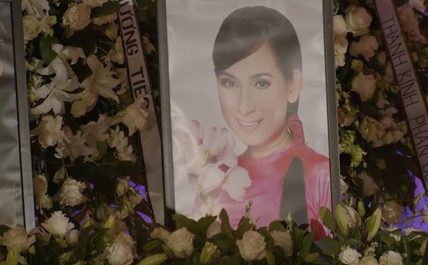 30 bức ảnh xuất hiện trong tang lễ Phi Nhung tại Mỹ, hé lộ tâm nguyện cuối cùng!-2