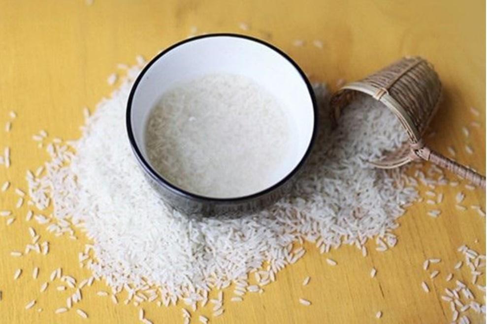 Lợi ích bất ngờ từ nước vo gạo: Chống rụng tóc, giữ ẩm da và một loạt công dụng khác-2
