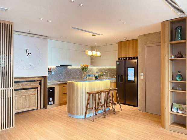 Dân mạng khen hết lời căn bếp có hệ thống tủ giấu sạch đồ đạc: Gọn gàng, thoáng mát và lúc nào cũng sạch đẹp như mới-1