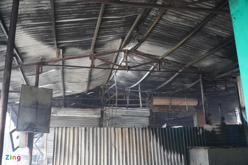 Cháy trung tâm thương mại ở Hải Phòng, nhiều tiểu thương bật khóc-6