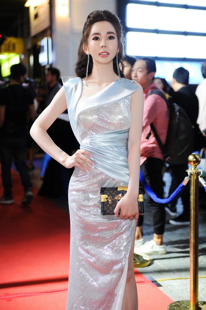 Hoa hậu nhảy đồng hồ Rolex 2 tỷ của người yêu: Style thế nào mà khiến thiếu gia kém 7 tuổi mờ cả mắt?-6