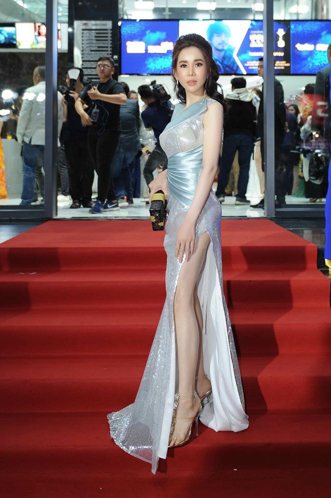 Hoa hậu nhảy đồng hồ Rolex 2 tỷ của người yêu: Style thế nào mà khiến thiếu gia kém 7 tuổi mờ cả mắt?-7