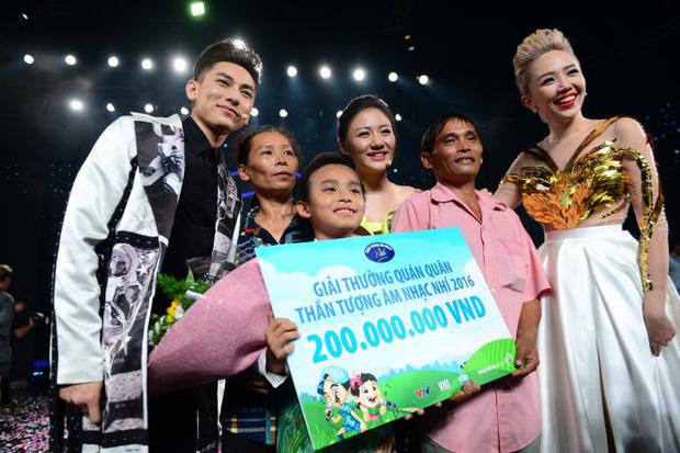 Khi các ca sĩ rời công ty quản lý của ba mẹ nuôi: Phương Mỹ Chi êm đẹp với Quang Lê, 2 người con nuôi của cố NS Phi Nhung đối lập hoàn toàn-17