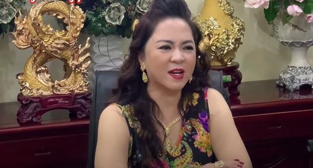 Bà Phương Hằng gửi lời cảnh báo tới con gái ruột cố ca sĩ Phi Nhung và tương lai của 23 người con nuôi-1