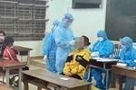 Cho học sinh đến trường tại những vùng kiểm soát được dịch ngay trong tháng 10-1