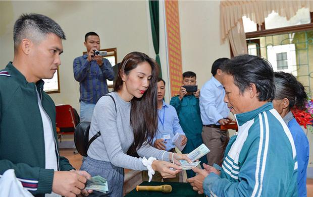 7 tỉnh miền Trung được Bộ Công an yêu cầu rà soát về hoạt động từ thiện của ca sĩ Thủy Tiên nói gì?-5